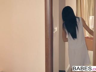 Babes - stap mam lessons - tied omhoog tied neer starring