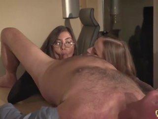brunette video-, cumswap video-, paardrijden