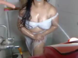 plagen neuken, een grote tieten actie, kijken webcams porno