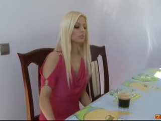 Éhes elélvezés eaters-jessie volt