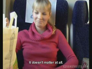 Javno jebemti na vlak