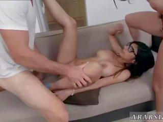 een brunette, nieuw kut likken, geschoren kutje porno