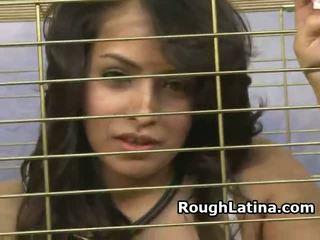 Latina slut in a arek pasuryan fucked through kandhang