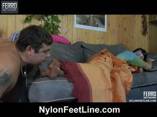 Ištvirkęs guy awaking a sleepy mažutė