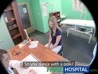 Fakehospital innocent szőke gets a doctors masszázs