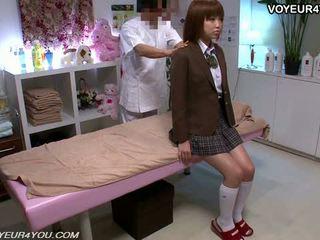 Japansk tenåring skole jente kroppen massasje