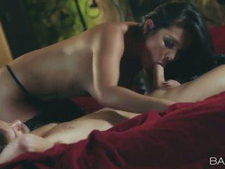 mooi brunette, heetste hardcore sex meest, orale seks kijken