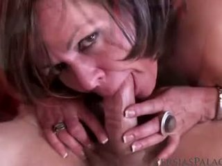 mooi brunette, orale seks, nominale vaginale sex