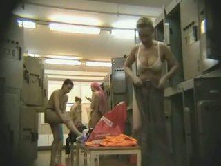 nominale voyeur kanaal, een hidden cam, mooi locker room film