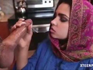 Middle eastern في سن المراهقة ada gives رئيس و gets ripped شاق