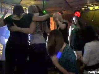 Lányok wants hogy fasz a hadsereg dancer
