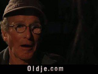 76 늙은 사람 와 큰 형사 drill 단 비탄
