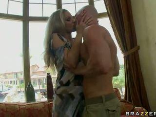 Busty blonde babe gives fantastic blowjob