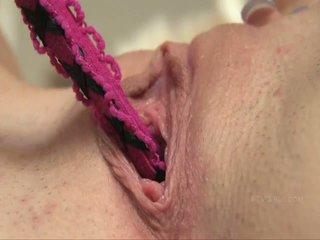 kwaliteit brunette klem, vibrator klem, controleren naakt thumbnail