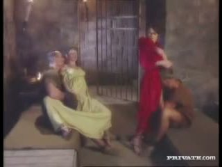 Cleare and jyulia, dp topar sikiş with the gladiators in the cell