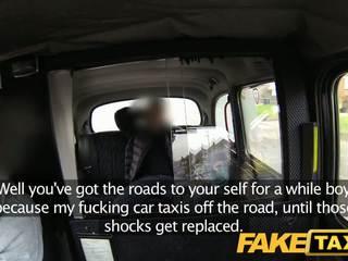 Faketaxi ब्रिटिश taxi गॅंगबॅंग