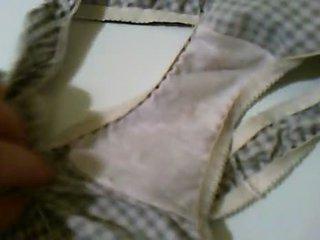 תחתונים קצרים, non nude, כן, חובבן