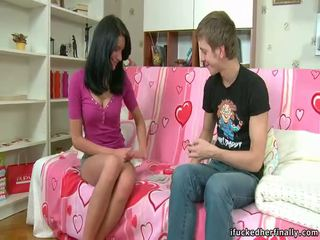 Babe gets bigcocked
