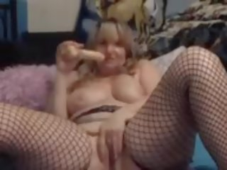 Canadian Curvy Housewife with Amazing Fat Squirting...