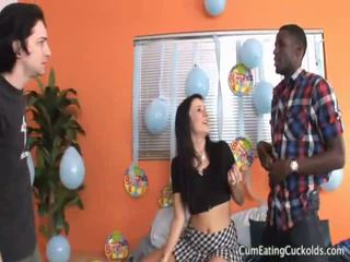 Ashli orion gets 그녀의 hubby 형사 그녀의 그의 birthday