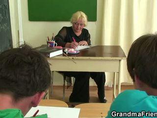 Viejo trío en la clase