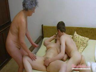 Trojček porno