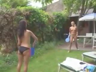 tieten, kwaliteit topless film, plezier twee meisjes actie