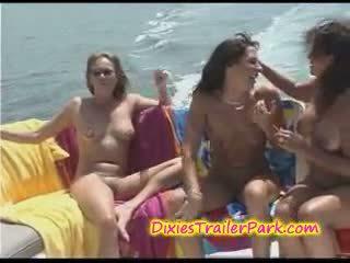alle boot, yacht, zien lesbisch actie