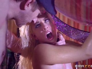 Brazzers - جنسي stripper jessie volt الحب ضخم كوك.