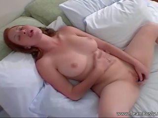 Perfekt rotschopf masturbates schwer, kostenlos porno a6