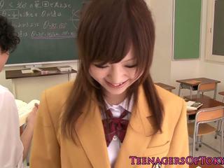 Ultracute japānieši skolniece nepieredzējošas loceklis