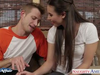 Sinfully brunette casey calvert baise son voisin
