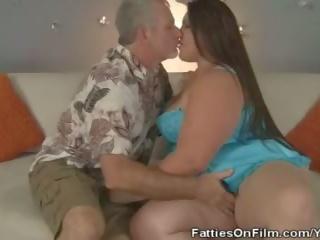 Plumper Slut Bella Bendz