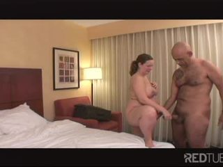 Pregnant horny babe pleases her pussy