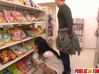 Sora aoi में मजबूत doggy बकवास पर दुकान