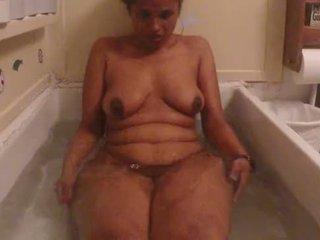 อินเดีย สมัครเล่น ผู้หญิงสวย lily ร้อน อาบน้ำ