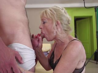 Old Grandmother Suck and Fuck Young Boy, Porn aa
