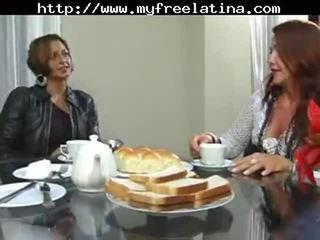 Βραζιλιάνικο μαμά και stepson λατίνα cumshots λατινικά καταπίνοντας βραζιλιάνικο μεξικάνικο ισπανικό