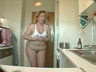 Kãƒâ¼chen spycam - petra - hausfrau und immergeil