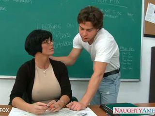 Milf em óculos shay fox caralho em classe