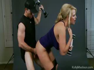 Kelly madison promotes the jack weight robenie rukou exercise