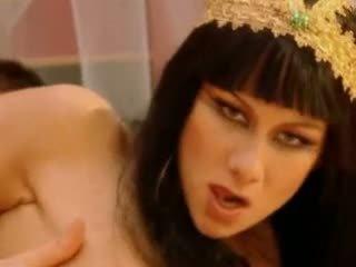 Julia taylor cleopatra βίντεο