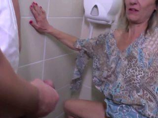 Pisse et rude baise avec mature mère: gratuit hd porno e4