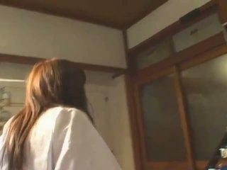 Με πλούσιο στήθος ασιάτης/ισσα hitomi tanaka σε δημόσιο bath