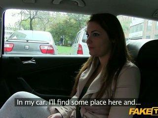 Duży cycuszki amatorskie oszukane przez a taxi