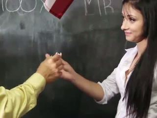 Mandy sky bounces auf teachers riesig schwanz