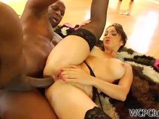 Анал loving азіатська takes a чорна пеніс