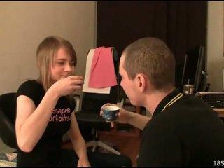 teen sex, amateur teen porn, vŕtanie teen pussy