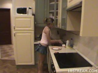 Ціпонька undresses її boyfriend