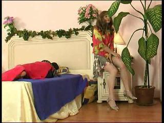 Sexy crossdresser gets silit ramming